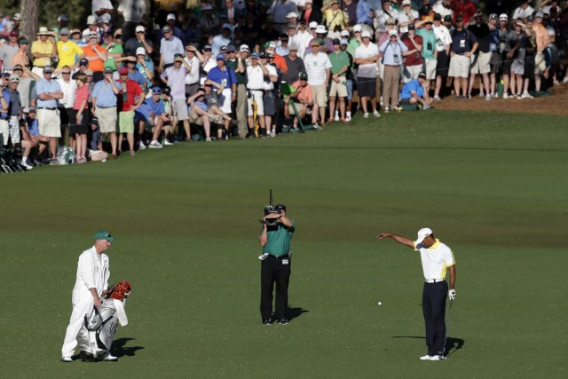 Selon le  règlement 26-1-a, Tiger Woods a... (Photo : Charlie Riedel, AP)