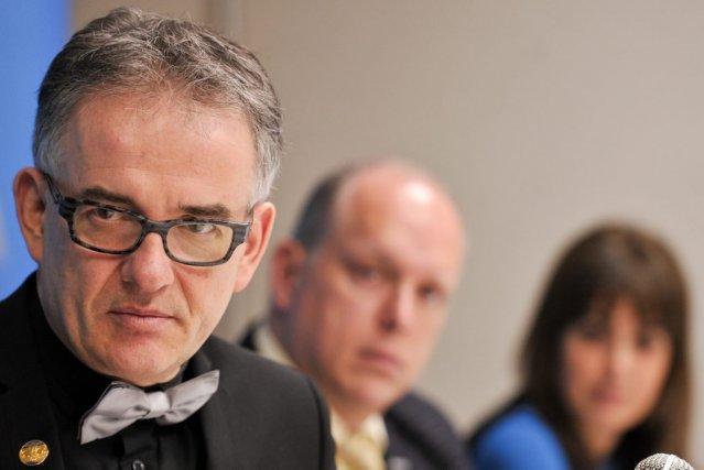 Le ministre de la Santé et des Services... (Martin Roy, LeDroit)