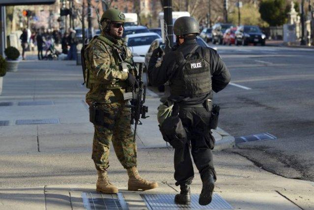 Le FBI mène l'enquête sur les deux explosions... (PHOTO STAN HONDA)