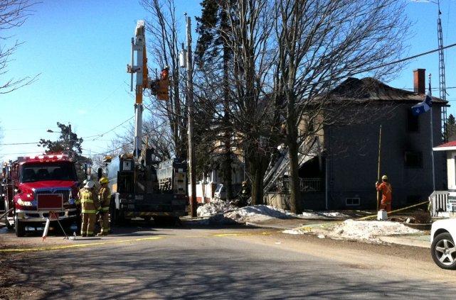 Un incendie a complètement ravagé une résidence de... (Étienne Ranger, LeDroit)