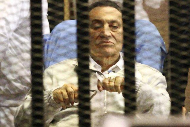 L'ancien président Hosni Moubarak restera tout de même... (PHOTO ARCHIVES REUTERS)