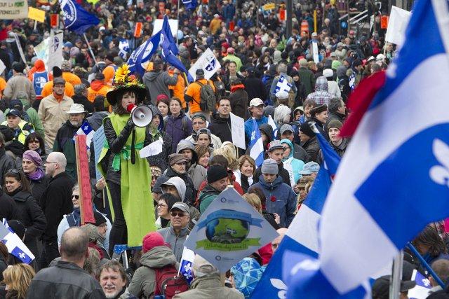 Des milliers de personnes ont encore participé au... (Photo: Robert Skinner, La Presse)