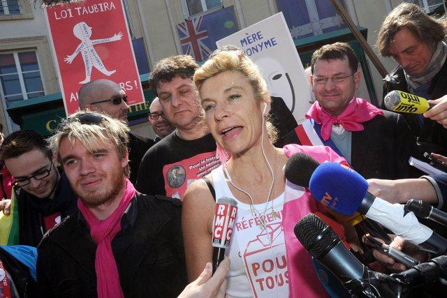 Frigide Barjot, la controversée porte-parole du mouvement contre... (Photo: AFP)