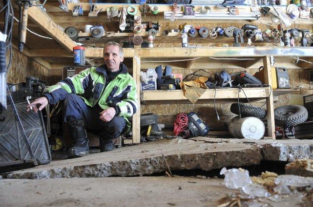 Le plancher en béton du garage d'Alain Jean... (Photo Rocket Lavoie)
