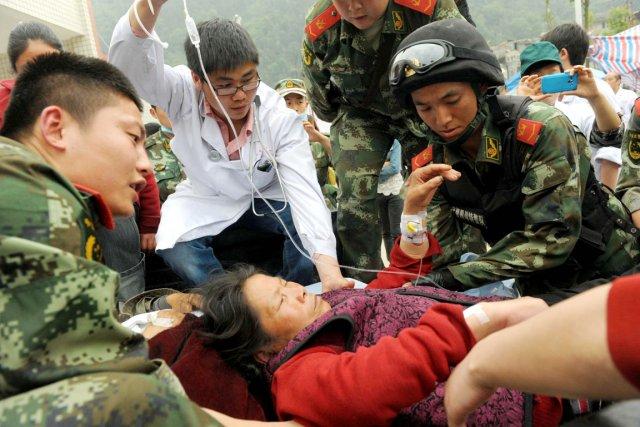Sur cette photo prise le 21 avril, des... (PHOTO AFP)