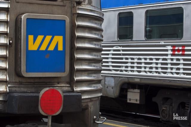 Le trafic ferroviaire entre Montréal et Ottawa a repris peu avant midi, après... (PHOTO ARCHIVES LA PRESSE CANADIENNE)