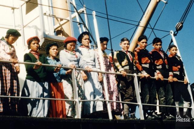 Des garçons et filles sur le S.S. North... (Photo fournie par Bibliothèque et Archives nationales du Québec)