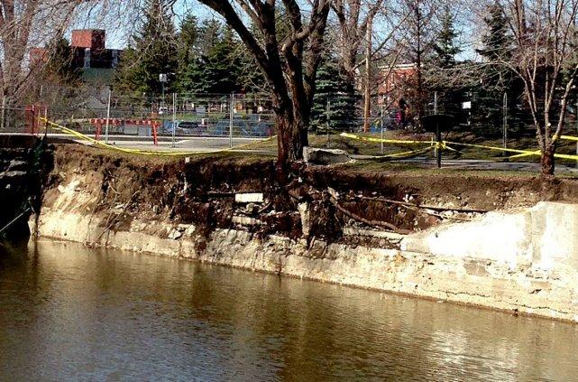 Le mur qui longe le ruisseau de la... (Patrick Woodbury, LeDroit)