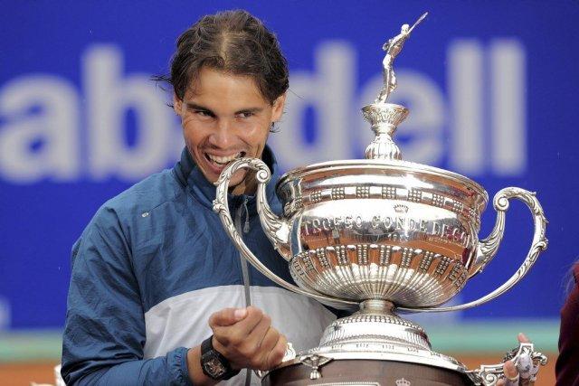 Nadal remporte le tournoi de Barcelone pour la... (PHOTO JOSEP LAGO, AFP)
