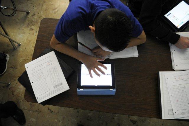 Si l'utilisation de la tablette en classe offre... (Photo: AP)