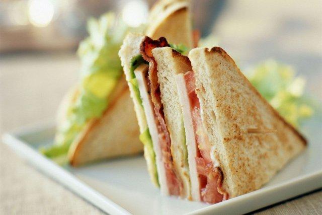 Un club sandwich à 24$? C'est possible dansun... (Photo hotels.com)