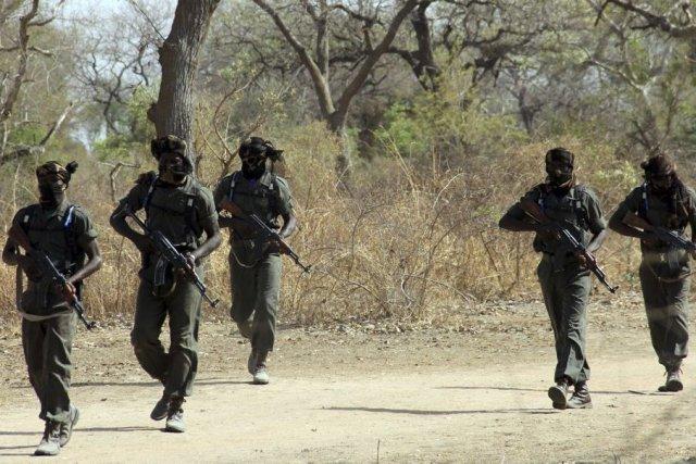 Des soldats s'exercent à N'Djamena, au Tchad.... (PHOTO JEAN LIOU, ARCHIVES AFP)