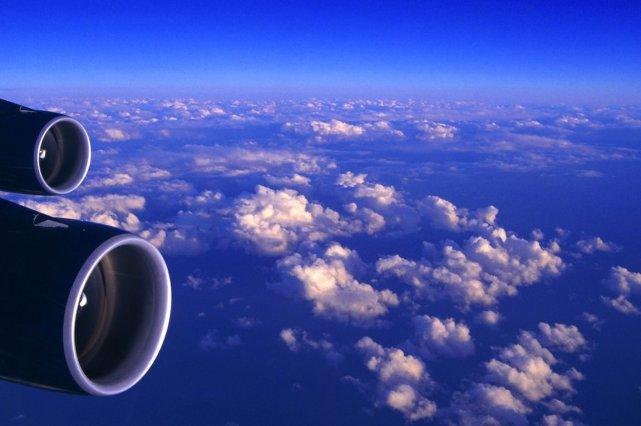 Les deux compagnies aériennes ont annoncé jeudi un renforcement de leur... (Photo igorkosh)