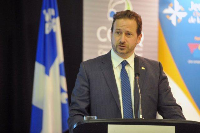 Le ministre régional Yves-Francois Blanchet prenant la parole... (Photo: Stéphane Lessard)