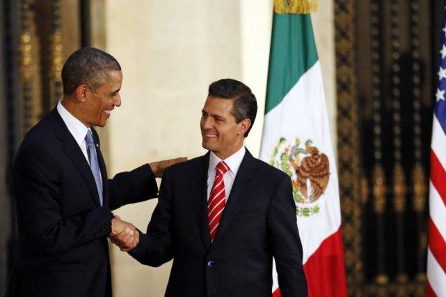 Barack Obama et son homologue mexicain Enrique Peña... (KEVIN LAMARQUE, REUTERS)