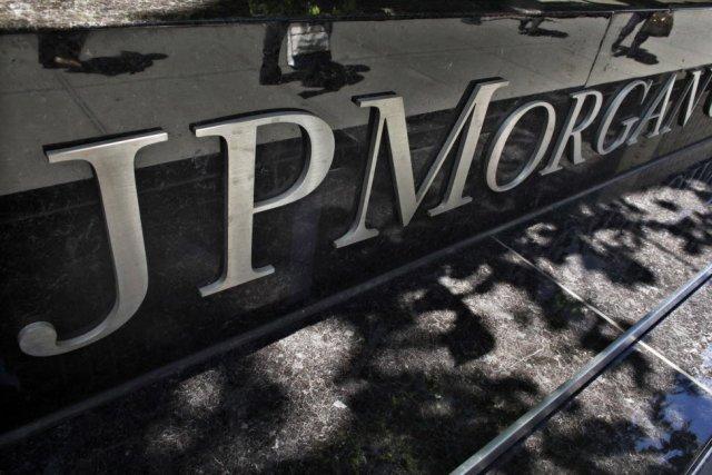 La banque américaine JPMorgan Chase connaît de nouveaux déboires auprès des...