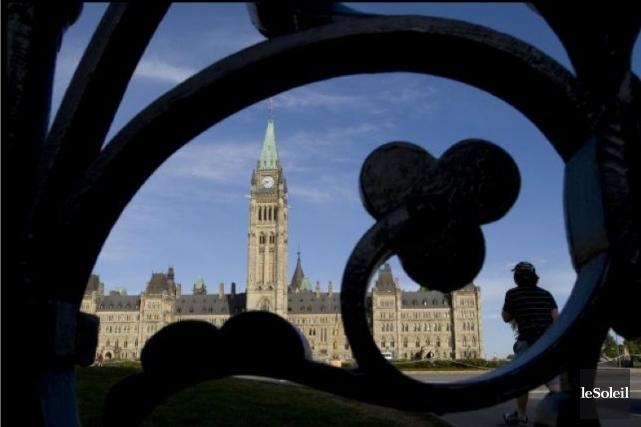 Le gouvernement Harper s'est fait bien avertir de ne pas toucher aux cours... (Photothèque Le Soleil)
