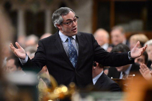 Le président du Conseil du trésor, Tony Clement.... (Photo Sean Kilpatrick, archives La Presse Canadienne)