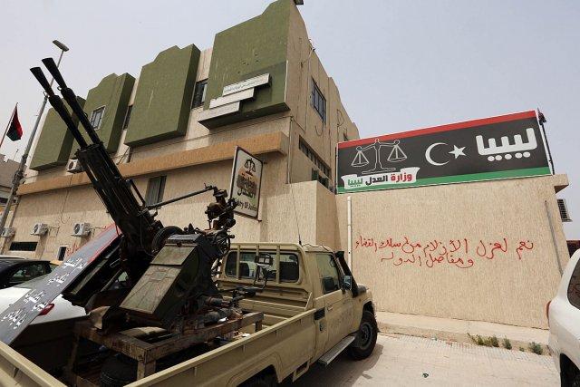 Que ce soit par leurs prêches ou par les armes, dans les mosquées, dans  les... (Photo: archives AFP)