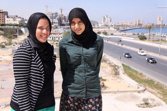 Issraa Murabit et Nadia Elfallah, de l'organisme Voice... (Photo: Mustafa Almaghrabi, collaboration spéciale)