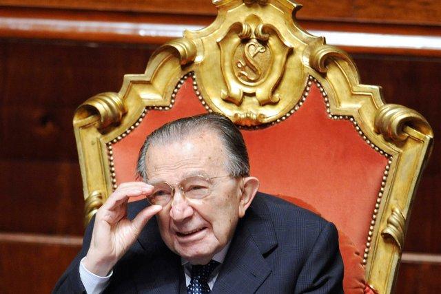 Giulio Andreotti a été président du Conseil (premier... (PHOTO FILIPPO MONTEFORTE, ARCHIVES AFP)