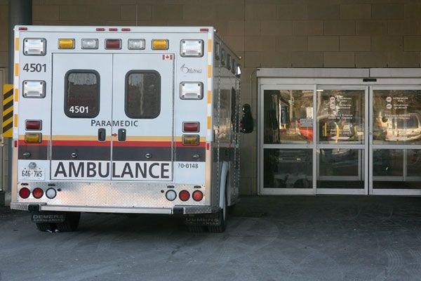 Une conductrice de 86 ans a subi des blessures sérieuses dimanche matin à la... (Patrick Woodbury, Archives LeDroit)