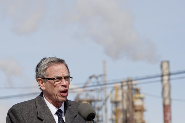 Le ministre canadien des Ressources naturelles, Joe Oliver, rentrait... (PHOTO DAVID BOILY, Archives LA PRESSE)