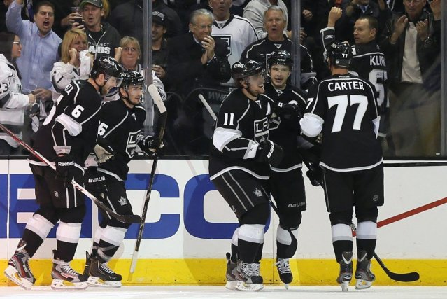 Les Kings célèbrent le but d'Anze Kopitar.... (Photo Reuters)
