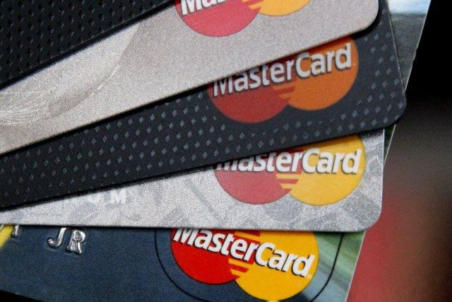 La hausse du crédit à la consommation s'est poursuivie en mars mais à un rythme...