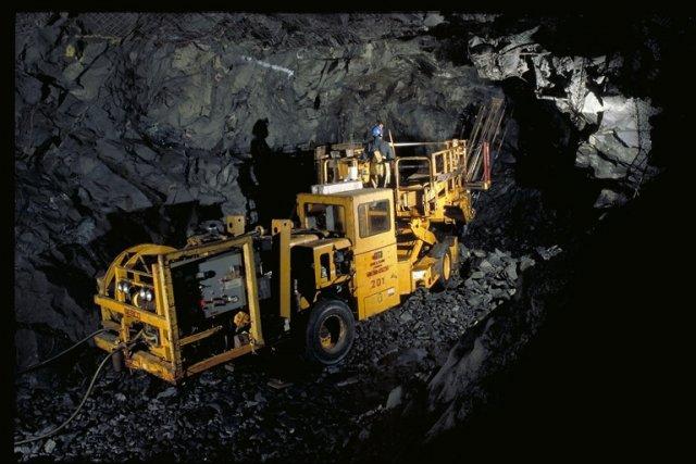 Un mineur à l'intérieur de la mine de... (Photo fournie par Xstrata Nickel)