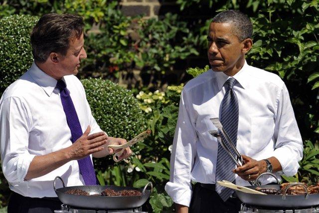 David Cameron etBarack Obama ont organisé un BBQ... (Photo: AFP)