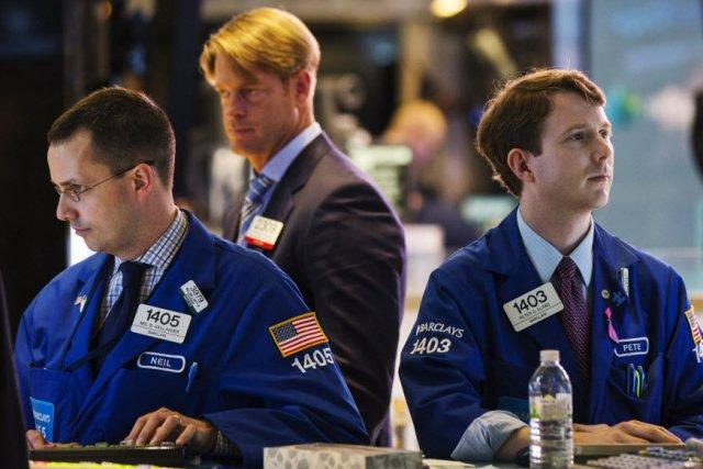 Bay Street et Wall Street ont clôturé la séance de jeudi en léger recul.