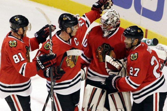 Les Blackhawks sont venus à bout du Wild... (Photo AP)