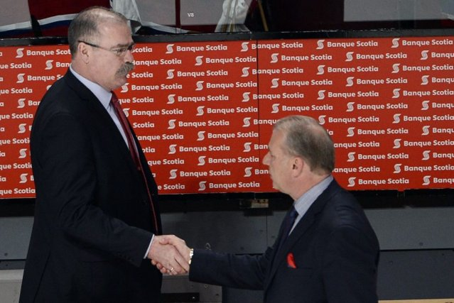 Les entraîneurs Paul MacLean et Michel Therrien se... (Photo Ryan Remiorz, PC)