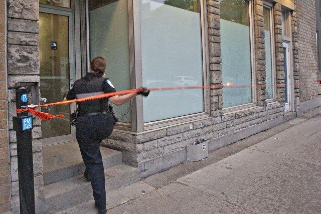 Le Service de police de la Ville de Montréal (SPVM) enquête sur une mort... (Photo Félix O.J. Fournier, collaboration spéciale)