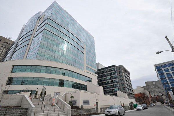Les fonctionnaires emménageront dans ce nouvel édifice fédéral,... (Patrick Woodbury, archives LeDroit)