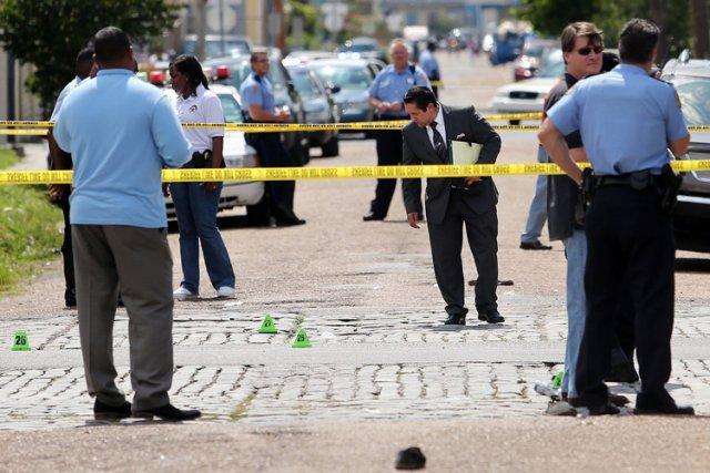 Dix-neuf personnes dont deux enfants ont été blessées lors d'une  fusillade... (Photo: AP)
