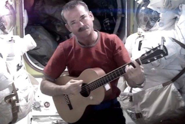 Chris Hadfield... (AP/NASA)