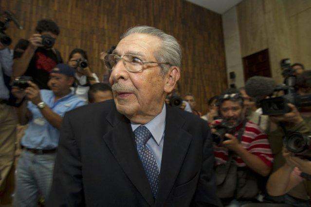 L'ancien dictateur Jose Efrain Rios Montt au tribunal... (Photo Moises Castillo, AP)