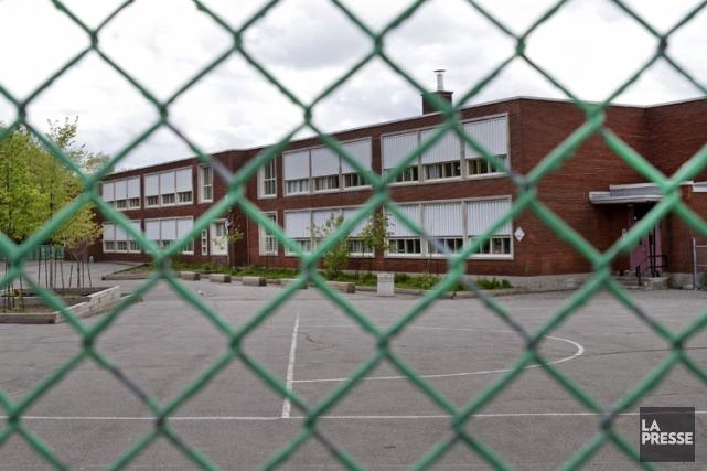 À quelques jours de la rentrée scolaire, l'école publique est «à la croisée des... (Photo Robert Skinner, archives La Presse)