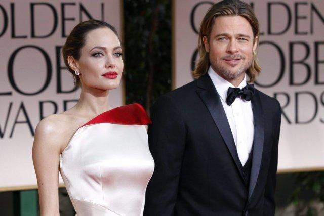 Angelina Jolie et Brad Pitt au 69e gala... (Photo Reuters)