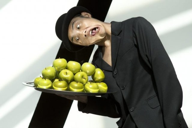 R ve des grands ballets au coeur des tourments du - Tableau chapeau melon pomme verte ...