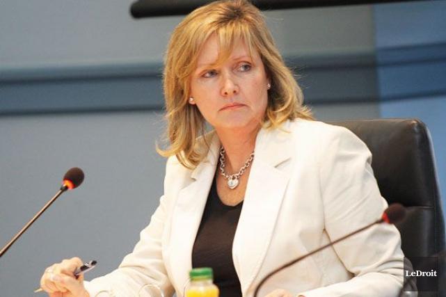 Diane Deanspilotera le comité des services communautaires et... (Étienne Ranger, Archives LeDroit)