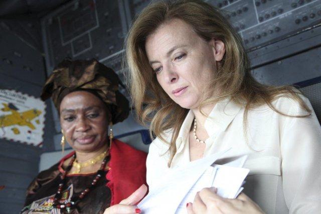La première dame de France, Valérie Trierweiler, à... (PHOTO SÉBASTIEN RIEUSSEC, AFP)
