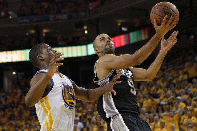 Tony Parker (à droite) et les Spurs de... (Photo Robert Galbraith, Reuters)
