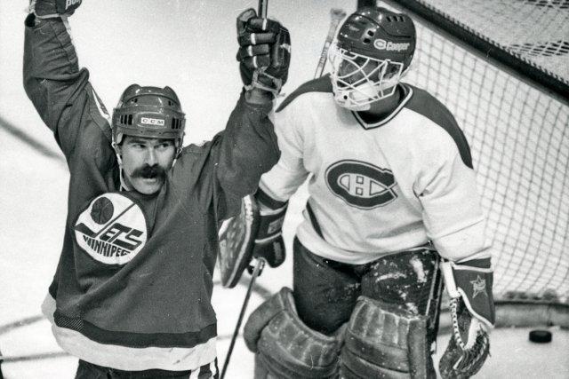 Bon joueur, Paul MacLean est devenu un bon... (Photo Bernard Brault, archives La Presse)