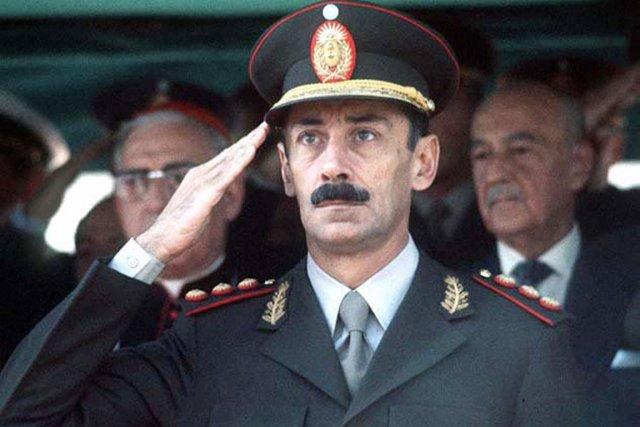 L'ex-dictateur argentin Jorge Videla s'est éteint à l'âge... (PHOTO AFP)