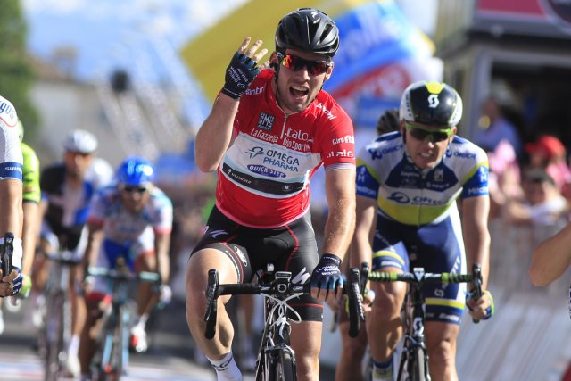 Mark Cavendish a remporté au sprint la 13e... (Photo Luk Benies, AFP)