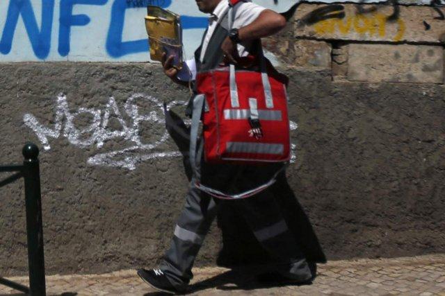 Le facteur de Mores, un petit village de Sardaigne, était trop «paresseux» pour... (Photo archives Reuters)