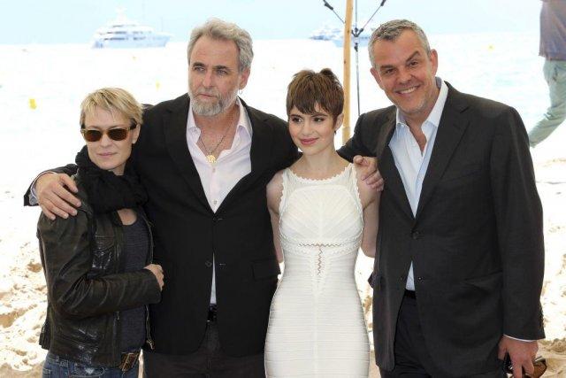 Robin Wright, Ari Folman, réalisateur, Sami Gayle et... (Photo: AFP)